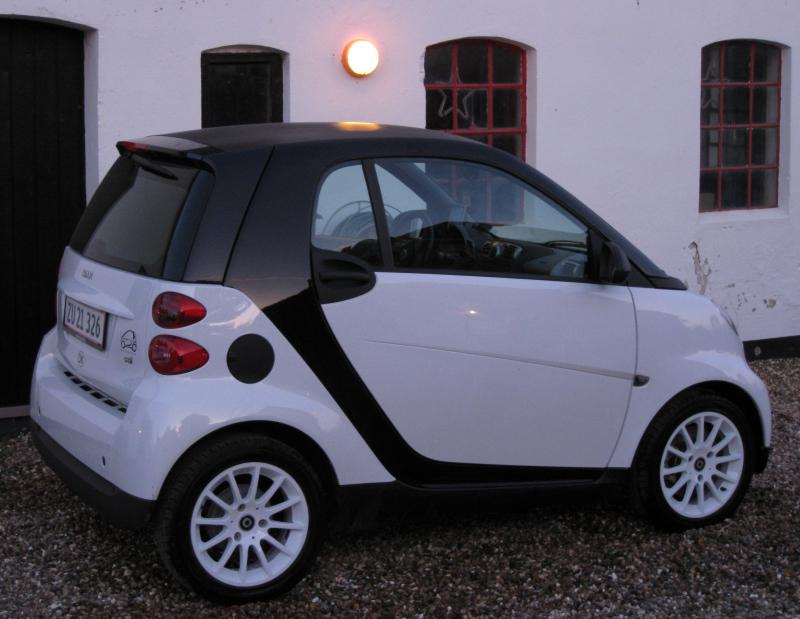 Smart Fortwo with white painted Passion alu.wheels